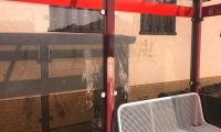 Verschmutzung Bushaltestelle Sparkasse